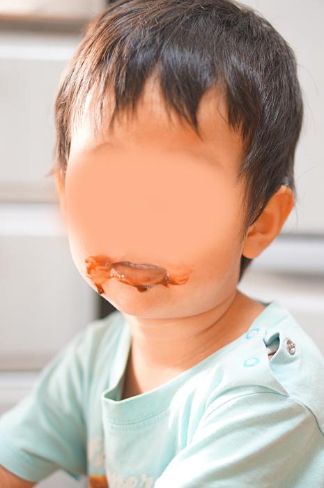チョコクリームをつまみ食い