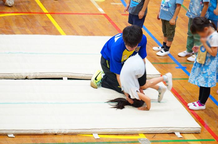体操教室 マット 長女