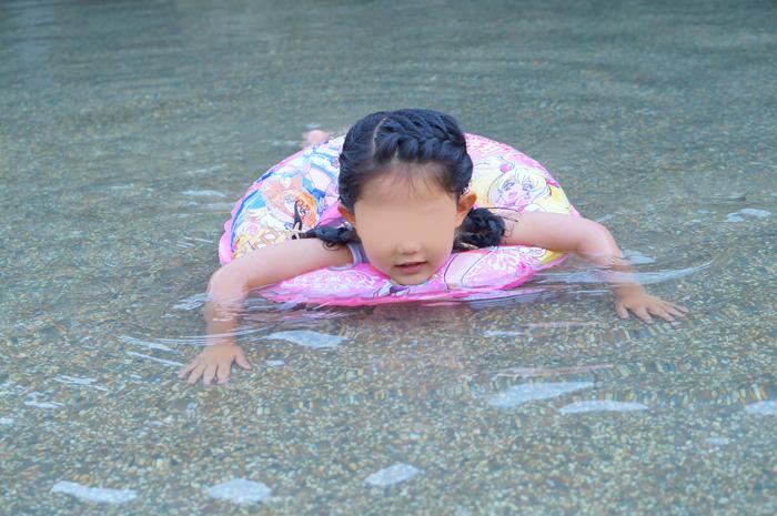なーちゃん 水遊び
