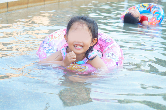 長女 水遊び