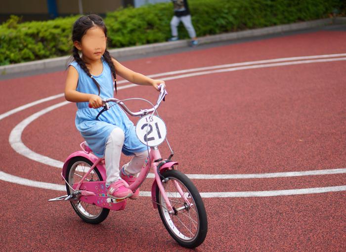 長女 自転車