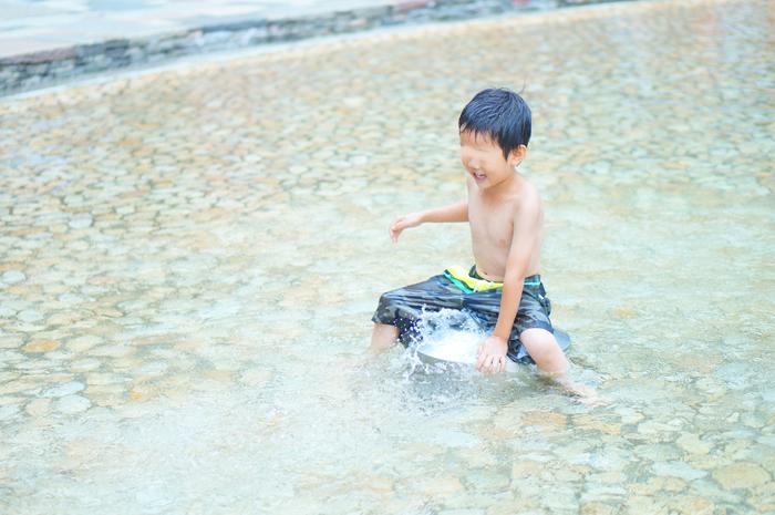 長男 水遊び