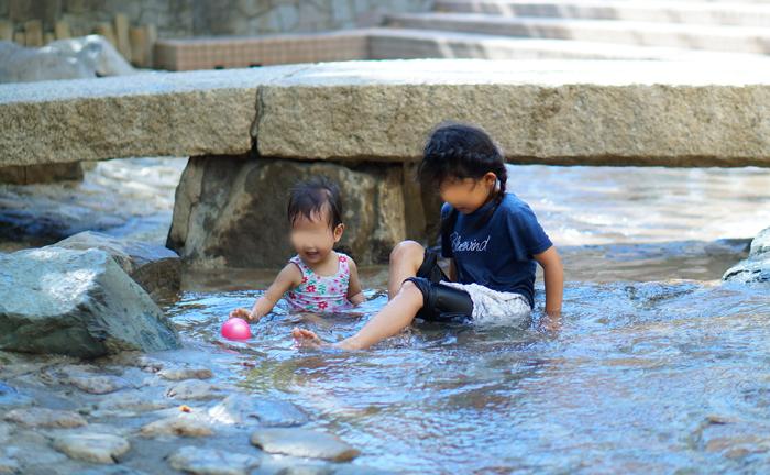 水遊び 次女 長女