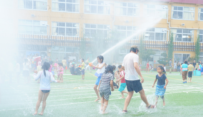 学校 水遊び なーちゃん